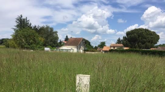 Terrains Saint-Yrieix Venat proche l'Amandier (16710)